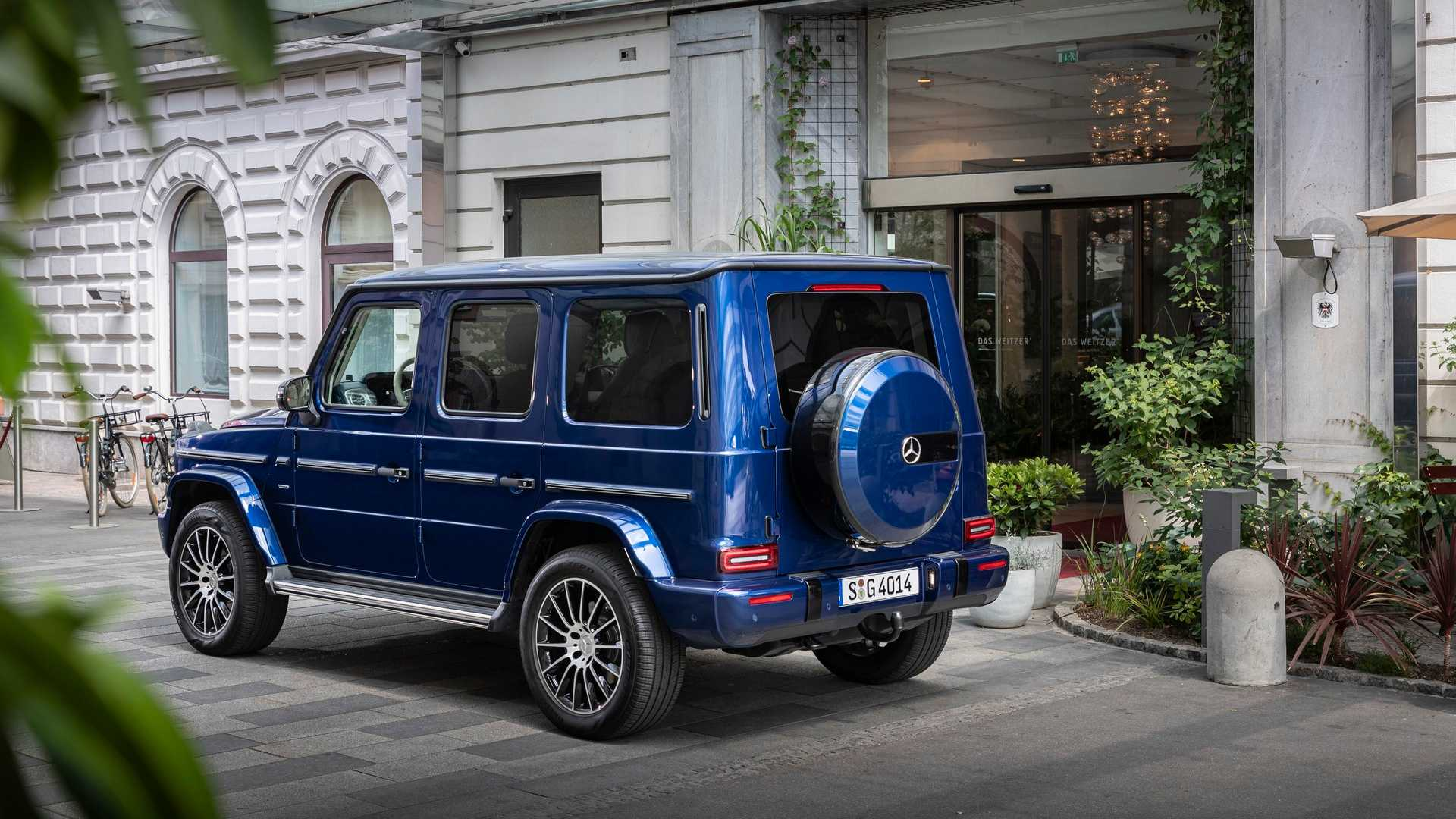 2019 mercedes clasa g stronger than time 3
